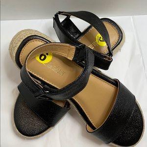 Olivia Miller Platform straps Sandals Size:9